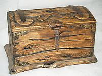 Сундук из натурального дерева