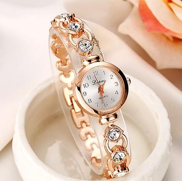 Наручний годинник жіночі з золотистим ремінцем і кристалами код 155