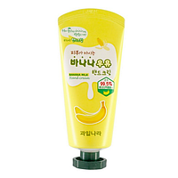 Крем для рук с экстрактом банана Welcos Banana Milk Hand Cream