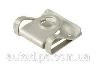 Скоба крепления защити двигателя Audi 100, A4, A6, A8 / Seat Altea, Leon, Toledo / Skoda Superb / VW Passat B5