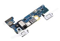 Шлейф (Flat cable) с коннектором зарядки, микрофона, гарнитуры, с сенсор. кнопками и кнопкой Home Samsung E500