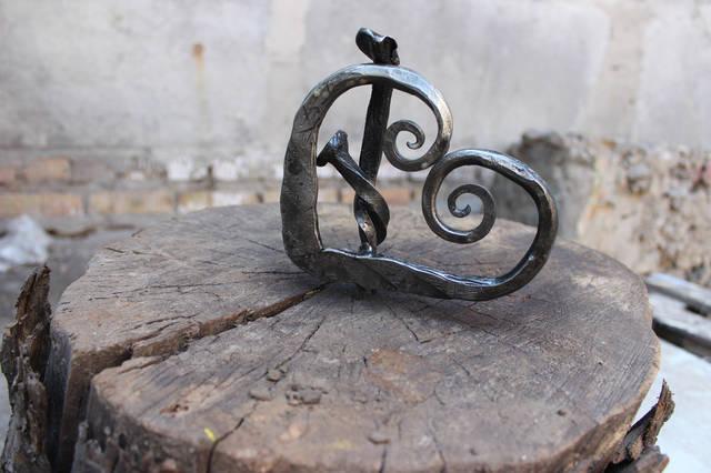 Старинные обряды и посвящения, кованые сувениры ручной работы от кузнечной мастерской Live Metall в Днепропетровске...Live Metall. Побалуй себя!