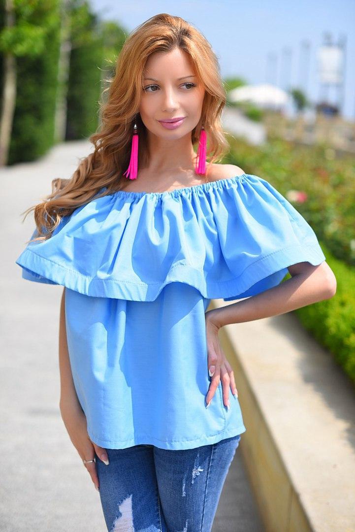 Женская блузка с оборками и открытыми плечами, фото 1
