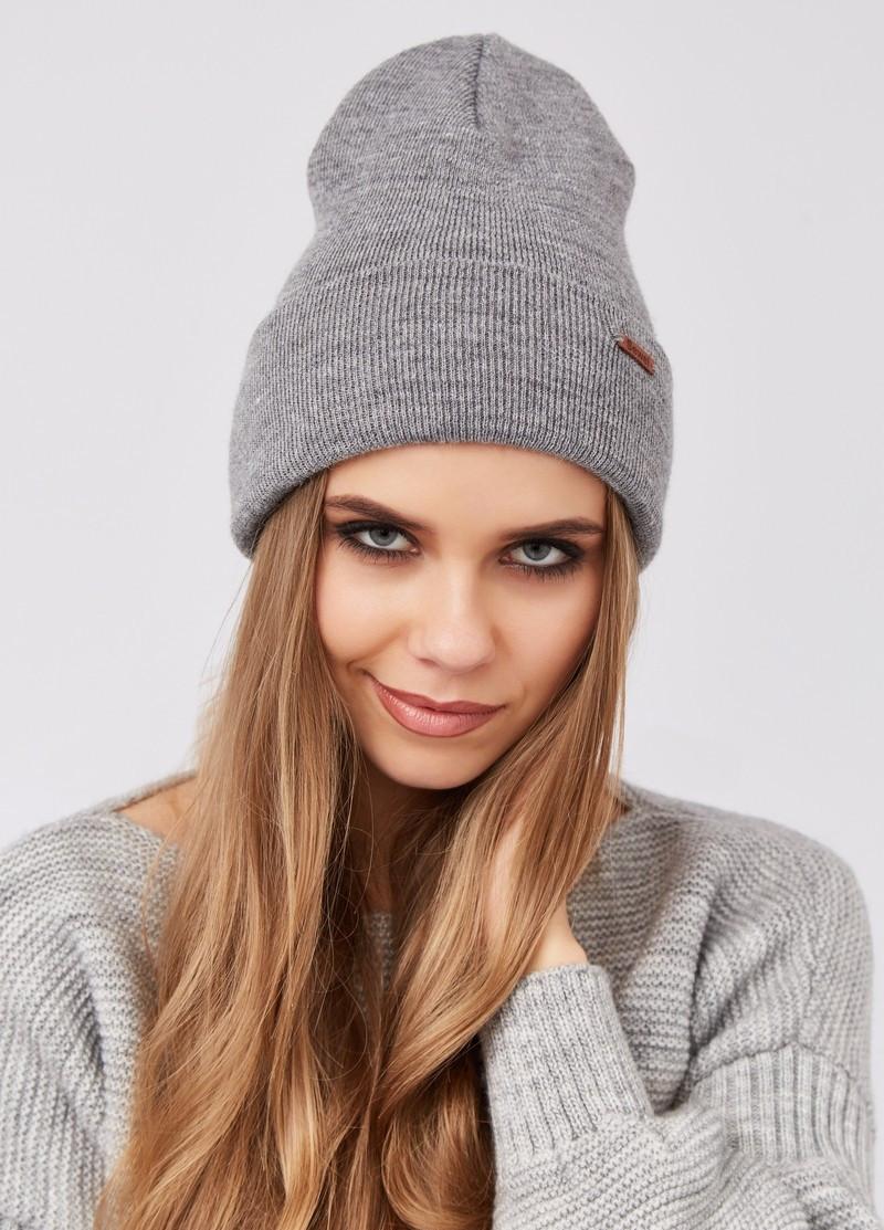 Модная женская теплая шапка