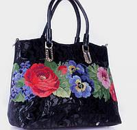 В продажу поступила новая коллекция женских сумок