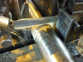 Точная резка металла в размер на лентопильном станке