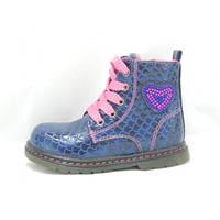 Детские ботиночки на девочку синего цвета с сердцем