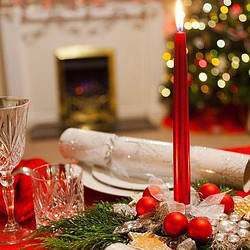 Как создать праздничный стол на Новый год с помощью новогодней ткани