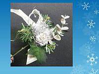 Новогодний букет на шпильке с шариком и украшениями, серебряный
