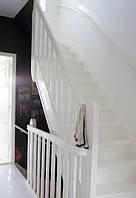 Елегантні дерев'яні сходи, сходи білі на замовлення із натурального дерева