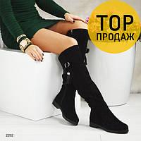 Женские зимние ботфорты на низком каблуке, черные / сапоги высокие женские замшевые, с кисточкой, удобные