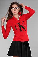 Стильная женская футболка поло с длинным рукавом с воротником CK красного цвета
