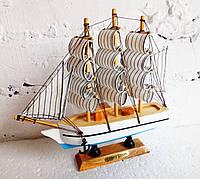 Сувенирный корабль-парусник