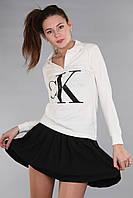 Белая стильная женская футболка поло с длинным рукавом с воротником CK