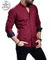 Красивая мужская красная рубашка