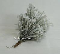 Заснеженная ветка сосны, 10-12см