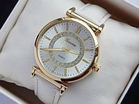 Женские наручные часы Geneva, золотистого цвета, серебристый циферблат, на белом кожаном ремешке, со стразами, фото 1