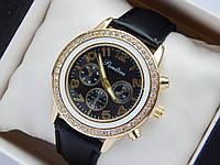 Женские наручные часы Pandora, золотистого цвета, черный циферблат, на кожаном ремешке, со стразами на корпусе