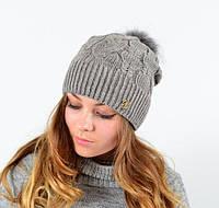 Женская шапка с меховым помпоном