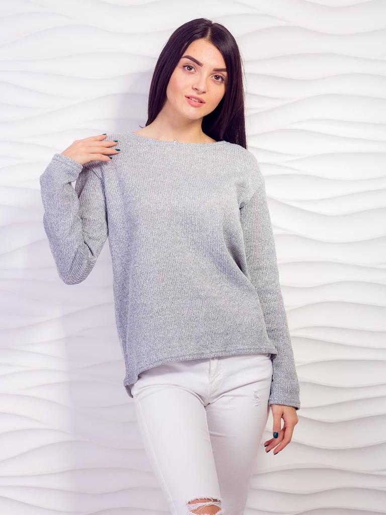 Серый свитер крупной вязки