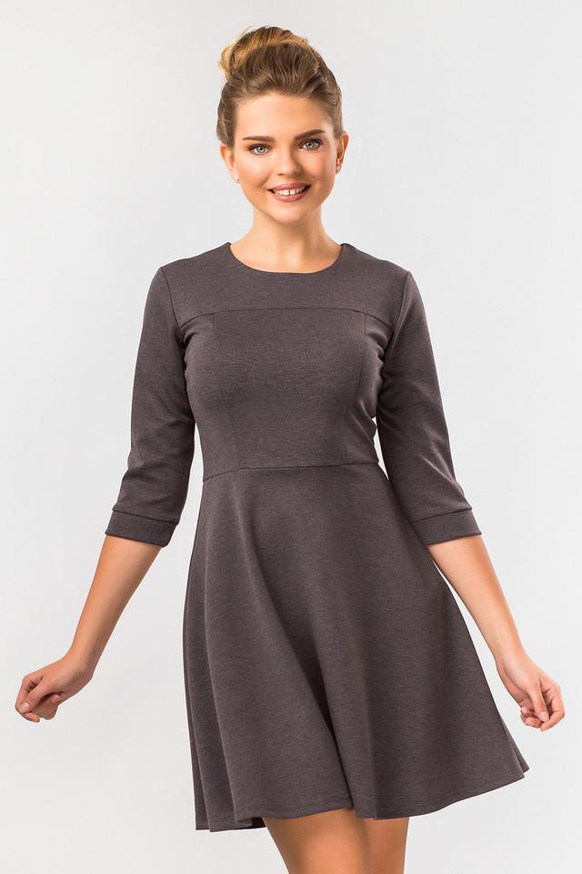 4daec213375 Элегантное платье из плотного трикотажа. Платье отрезное по линии талии.  Лиф платья плотно облегает фигуру благодаря кокеткам и рельефам