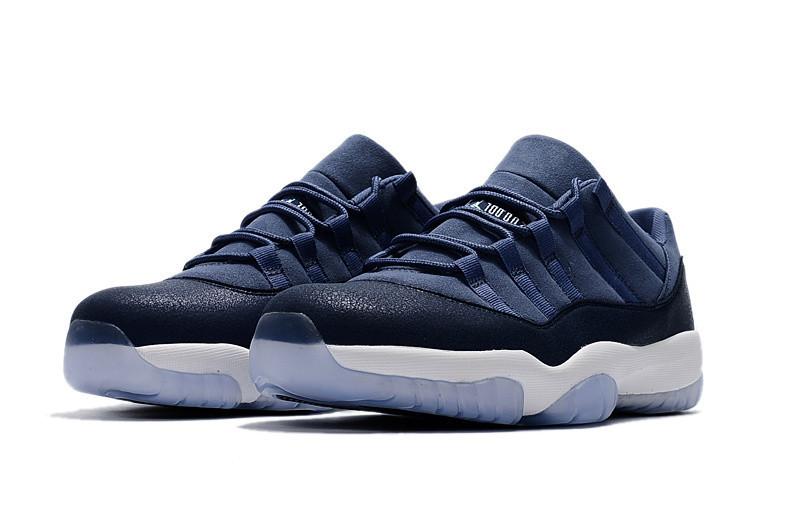 dec6e09270b4 Кроссовки Nike Air Jordan 11 Retro Low GS Blue Moon Реплика — в ...