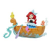 Набор для игры в воде: маленькая кукла Принцесса и лодка Hasbro