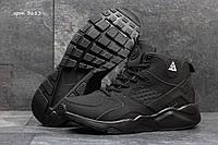 Зимние  кроссовки Nike Huarache найк- нубук,внутри мех,подошва пена,размеры:41-45