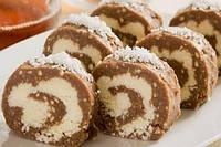 Шоколадный рулет с кокосом