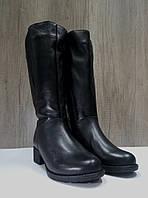 Зимние сапожки  женские МИДА 24601 черные, кожаные на маленьком каблуке на широкую голень.