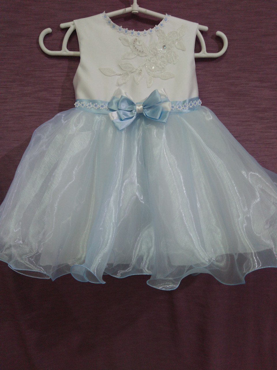 Платье детское нарядное белое с голубым на 2-3 года