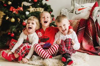 Детская одежда в новогоднем стиле