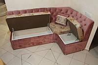 Мягкий кухонный уголок в розовой велюровой ткани