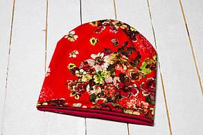 Трикотажная шапка «Красные цветы»