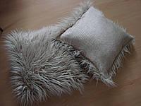 Подушка декоративная интерьерная из искусственного меха.