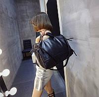Вместительная женская сумка на плече черная