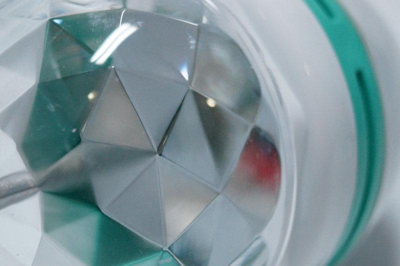Різнобарвна світлодіодна обертається LED лампа 3W під звичайний цоколь