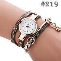 Женские часы с коричневым ремешком Yuhao (219)