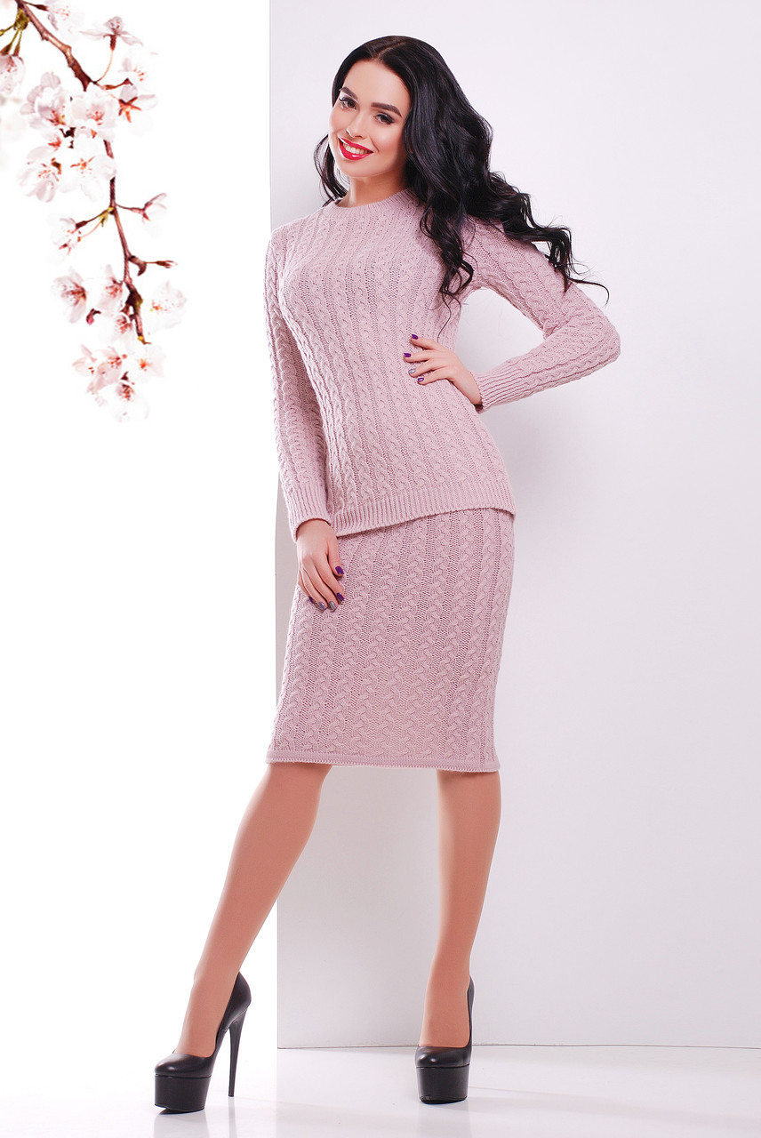 Костюм вязаный юбка джемпер размер единый 44-48 пудра
