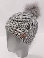 Вязаная женская шапка с меховым бубоном 12GO69