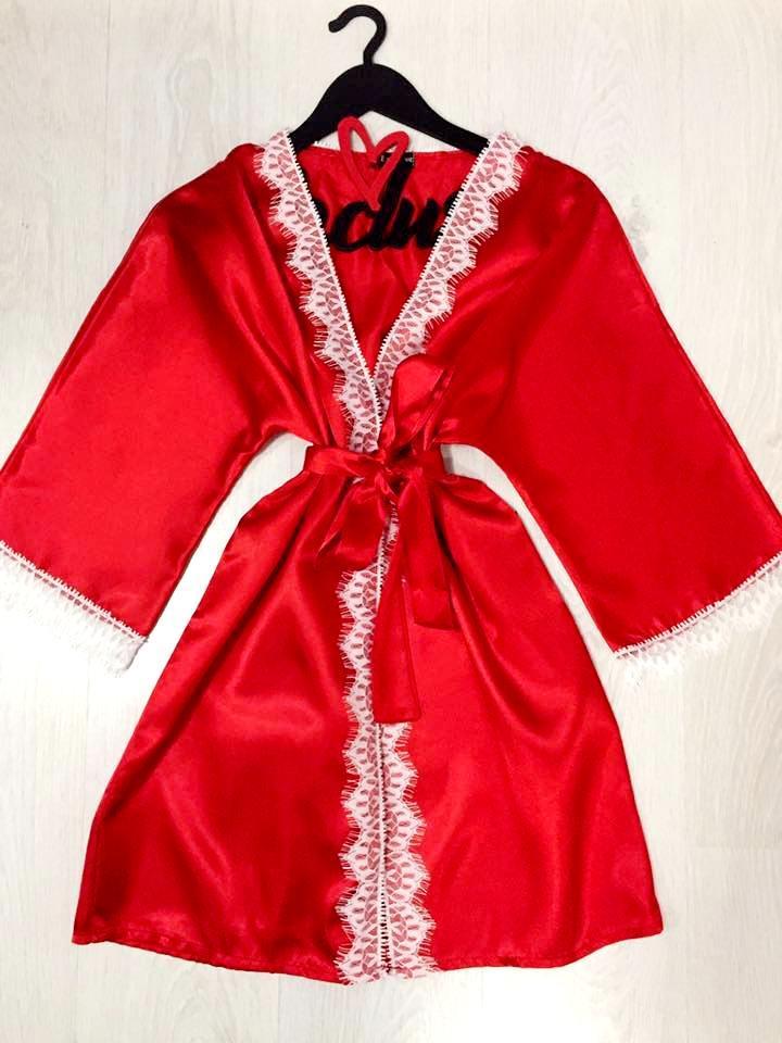 Халат красный женский с белым кружевом на 42-44