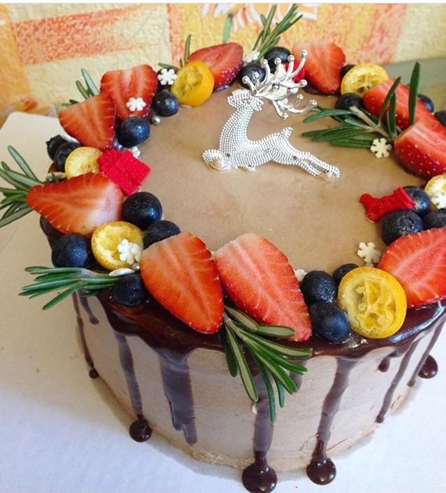 Торт новогодний без мастики