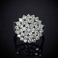 Серебряное кольцо, усыпанное фианитами
