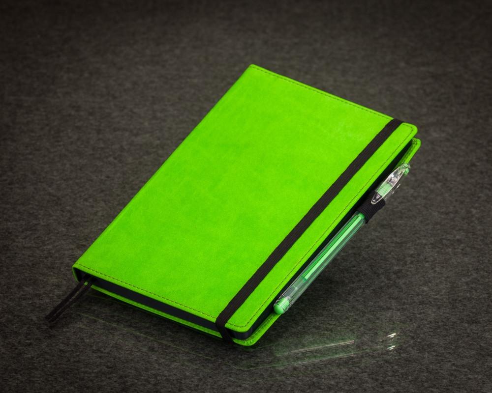 Блокнот с черными листами зеленый Стандарт