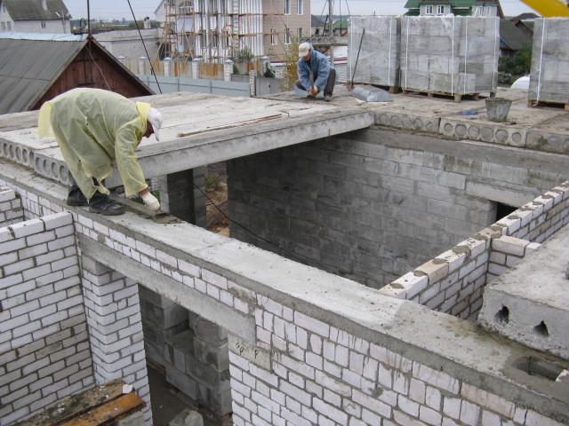 Монтаж плит перекрытия в Киеве.