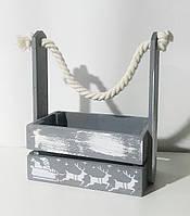 Деревянная новогодняя корзина с ручкой-канатом серая