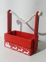Деревянная новогодняя корзина с ручкой-канатом красная
