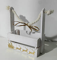 Деревянная новогодняя корзина с ручкой-канатом белая