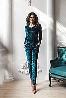 Стильный женский бархатный костюм