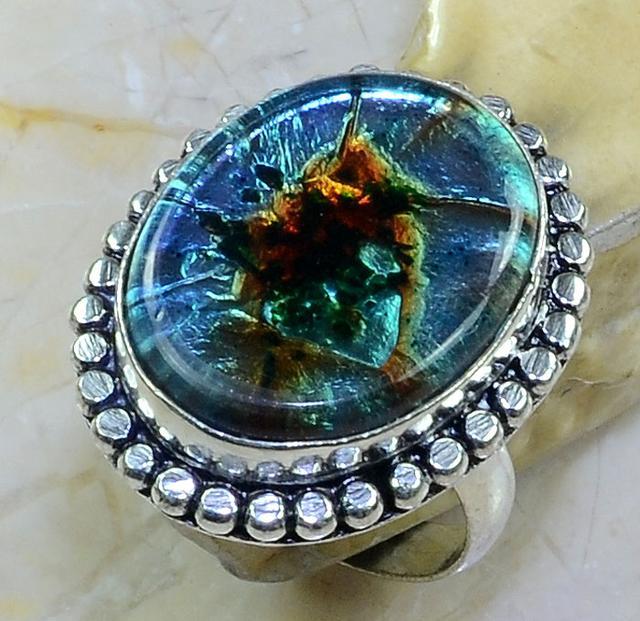 Дихроидное стекло